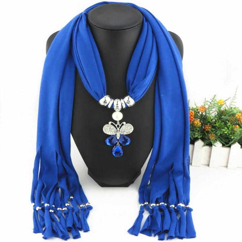 Direct Factory Newest Fashion Alloy Rhinestones Insect Pendant Scarf Elegant Crystal Butterfly Colored Scarves Necklace