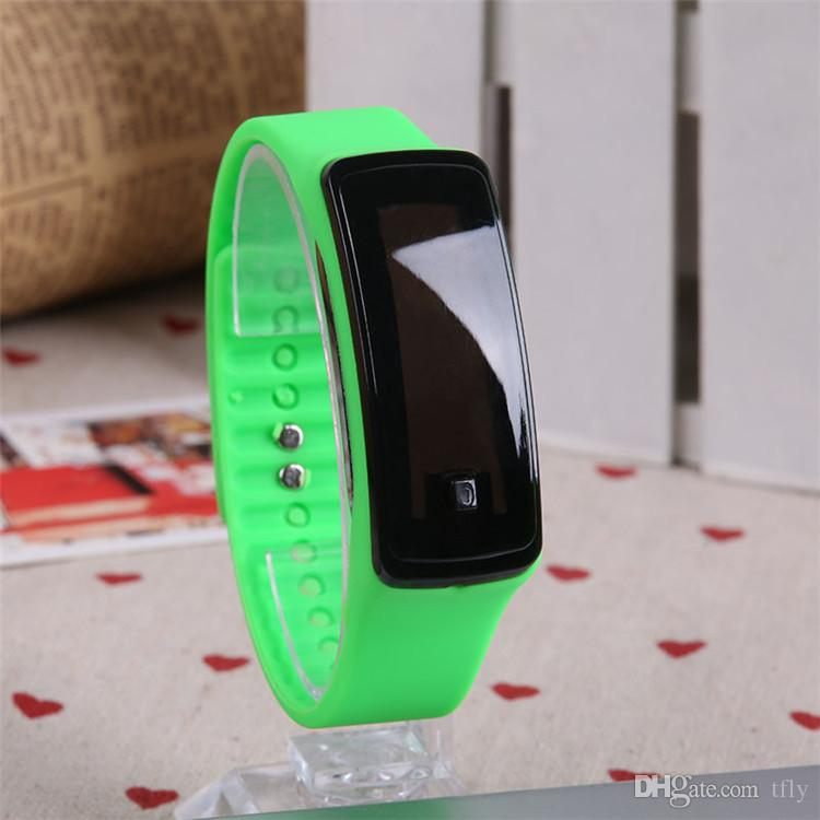 2017 Hot Fashion Sport LED Orologi Candy Jelly uomini donne in gomma silicone touch screen digitale orologi braccialetto orologio da polso buon regalo