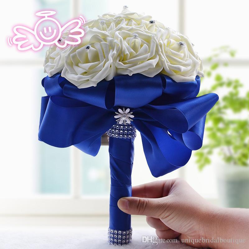 Bouquets de mariage artificiels nouveau 16 fleurs à la main en ivoire fleurs Royal Blue Ribbon Wedding Anniversaire bouquet pour les mariées 18-20 cm