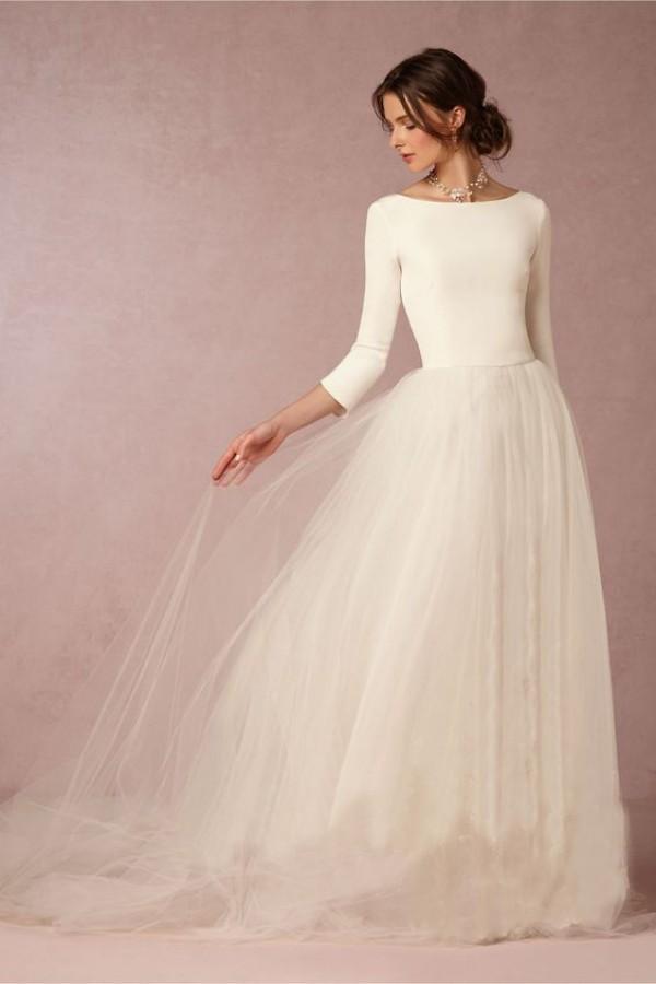 Günstige Atemberaubende Winter Brautkleider Eine Linie Satin Top Backless Brautkleider mit Ärmeln Einfaches Design Weiche Tüllrock Sweep Zug