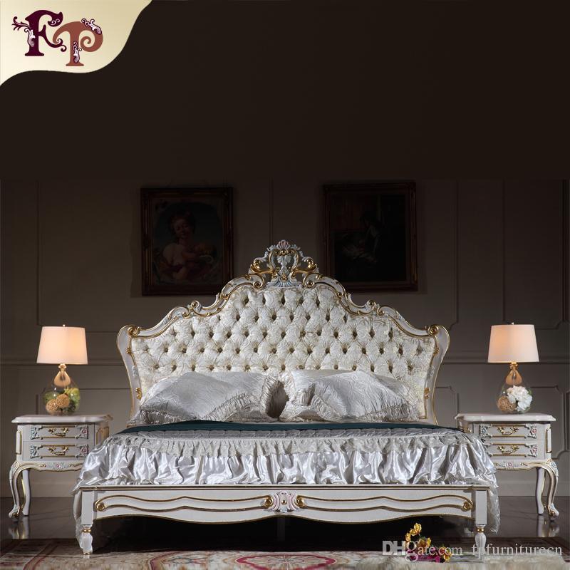Mobili antichi di riproduzione - Mobili da camera da letto della regalità  francese - Letto matrimoniale intagliato in legno massello con doratura a  ...
