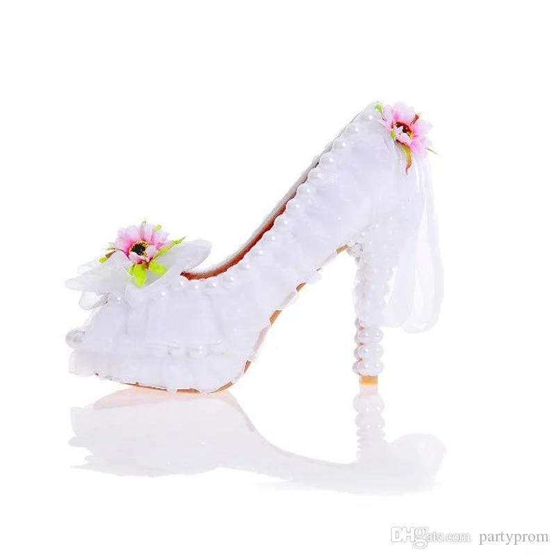 393a3335477 2017 Beautiful Flower Wedding Shoes Peep Toe New Year Party Dress Shoes  Banquet Prom Pumps Handmade White Lace Bridal Shoes