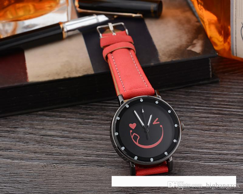 Fashion Smile Face Ladies Casual Quartz Watches Natural Vintage Watch Top Brand Unique Watches For Couple in Gift