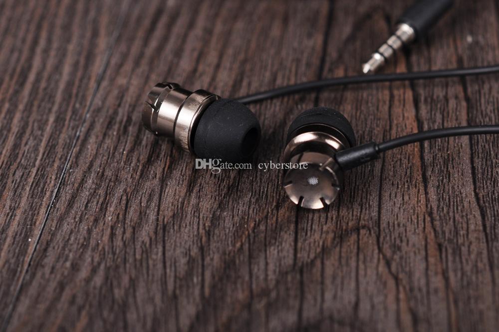 3.5mm jack Metal Earphone Headphone Universal Earphones In-Ear Headset with Mic For Cellphone For iphone 6 5 Xiaomi Galaxy S8 huawei phone