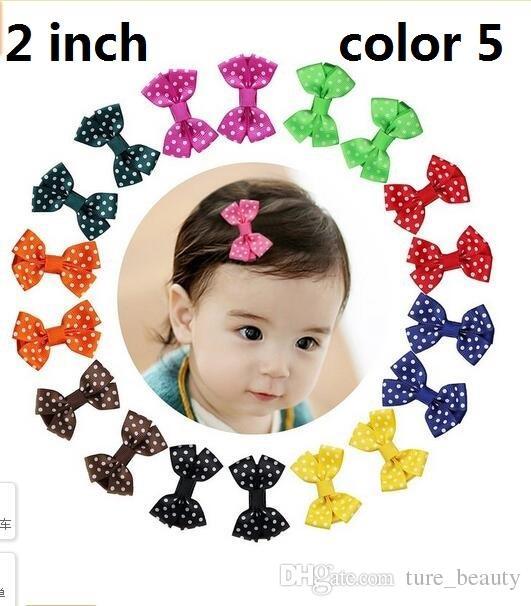 15% di sconto! 100 pz / 2 pollici Grosgrain Ribbon Mini Boutique Hair Bows Capelli nastro Clip capelli avvolti neonati Toddlers Bambini Barrettes 5 Stile