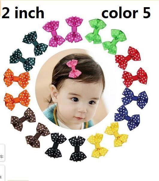 15% rabatt! 100st / 2 tum Grosgrain Ribbon Mini Boutique Hårbågar Ribbon-Wrapped Hair Clips för Baby Girls Toddlers Kids Barettes 5 Style