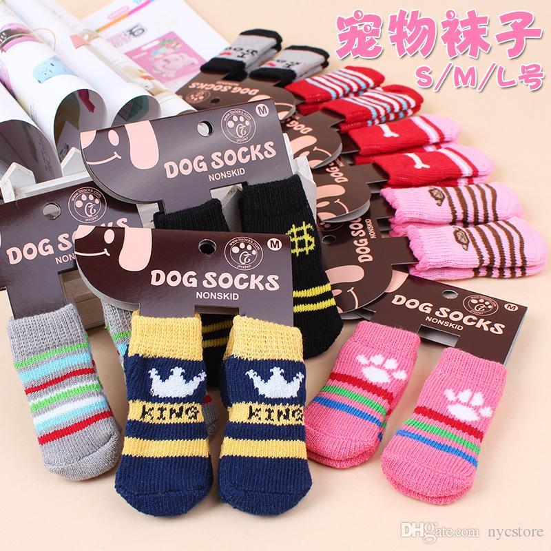 ca160fe689f0 Hot pet hund katze warme socken für winter Cute Puppy Dogs Weiche Baumwolle  rutschfeste Knit Weave Sock Skid Bottom Hund katze Socken Kleidung 4 ...