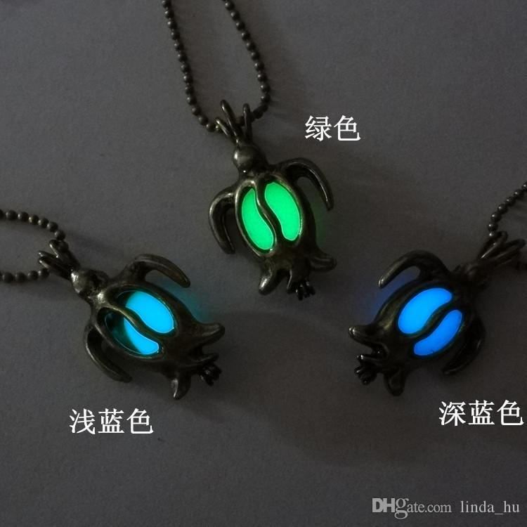 Europe et États-Unis vendant creux rétro mignon petit collier pendentif tortue collier lumineux bijoux enfants bricolage