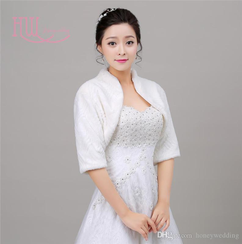 In Stock Fall Winter Bridal Jackets With Half Sleeves Ivory Faux Fur Wedding Accessories Wraps Cheap Bridal Bolero / Shrugs / Capes