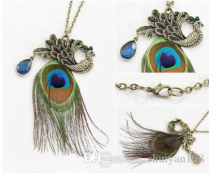 Retro Beautiful Peacock Feathers Long Sweater Chain Feather Crystal Pendant Peacock Feather Chain Charm Statement Jewelry Christmas Gift