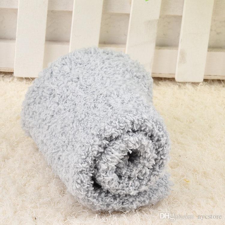 / mujeres calcetines de terry lisos Corea los calcetines de la toalla cálidos calcetines borrosos para el otoño invierno