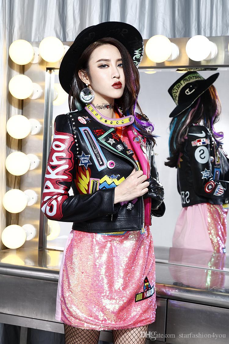 2017 più nuovo di alta qualità delle donne delle signore femminile punk rivetto Graffiti badge moto breve Locomotiva giacche di pelle outwear spedizione gratuita