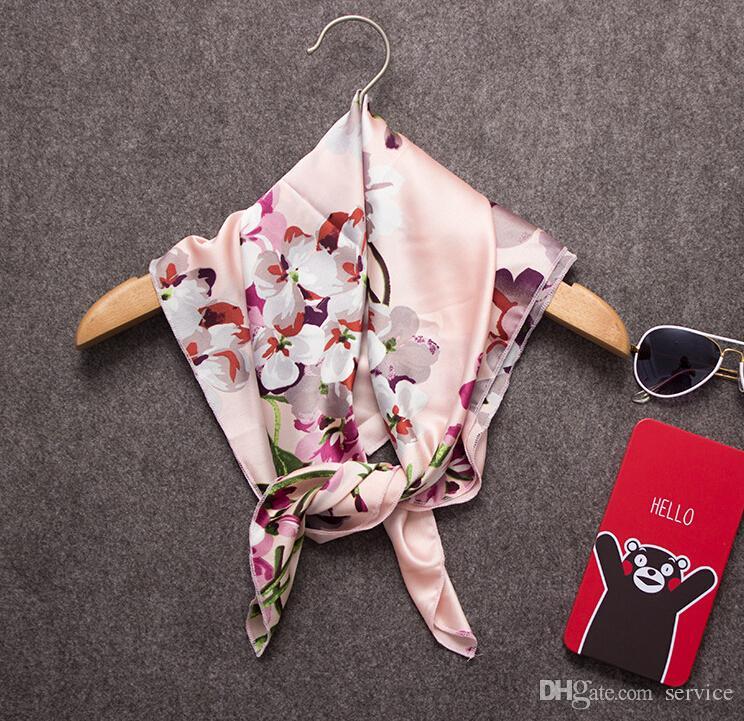 10 Pçs / lote Lenços Quadrados de Moda de Todos Os Jogo de decoração estilo curto das Mulheres Lenços De Seda Mix Estilo 2016 Outono Estilo