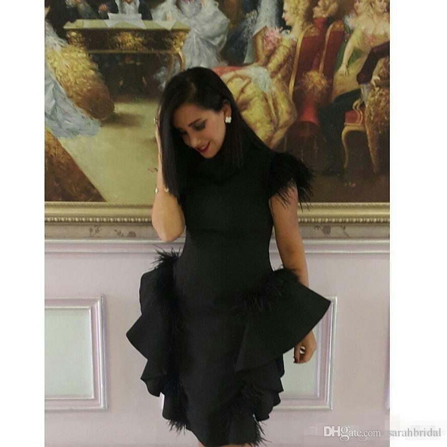 Schwarz classio Stehkragen Abendkleider Feder auf Schulter Rüschen Schößchen Abendkleider Tee Länge Spalte Plus Size Formal Dress Günstige