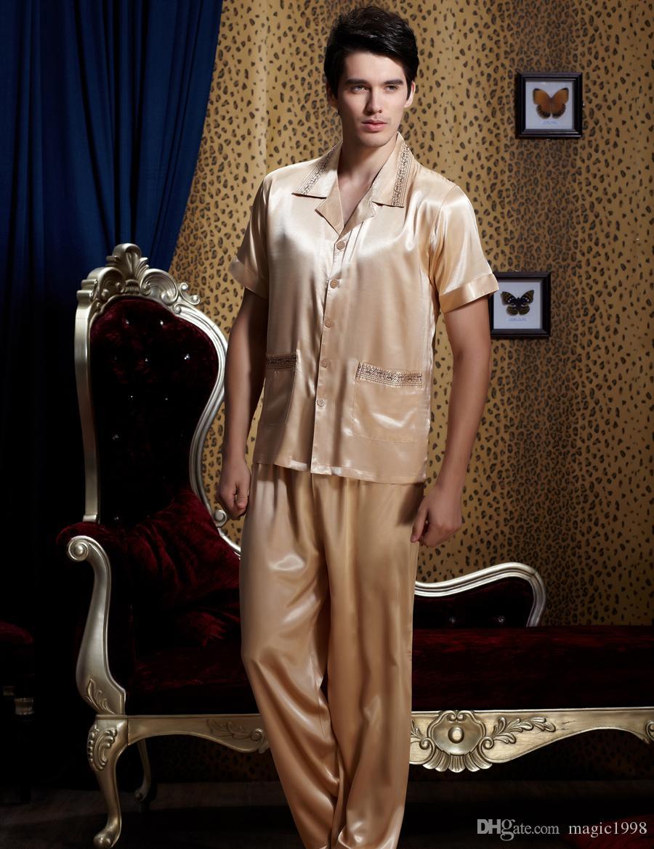 Pijama Nueva Corrió 2019 Verano de Los Hombres Conjuntos de Pijamas de Manga Corta Bordado Ropa de Dormir Moda Pijamas de Imitación de Seda Ropa de Dormir 1901