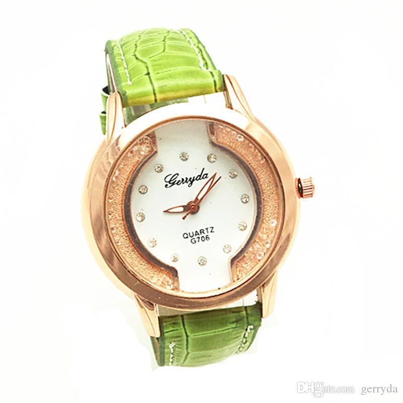 Бесплатная доставка!ПВХ кожаный ремень,золотая пластина случае,перемещение песка камень под стеклом,Кристалл на циферблате,gerryda мода женщина Леди кварцевые кожаные часы