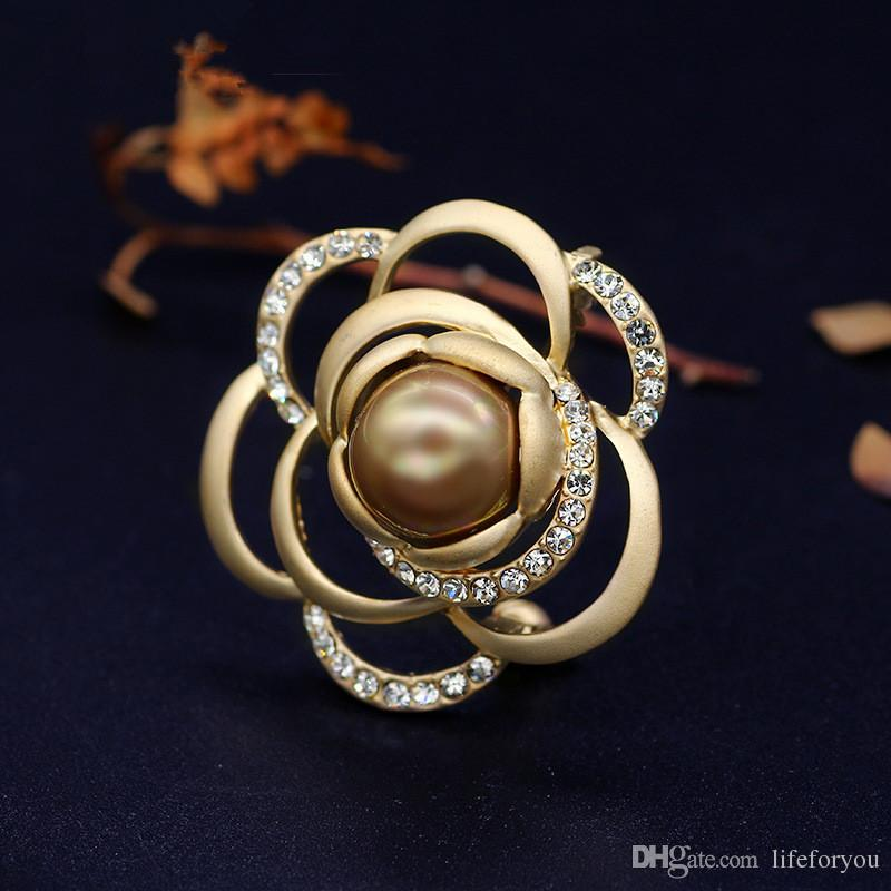 Vintage Pearl Rhinestone Flower Brooch Pin Silver-plate Alloy Scarf buckle for bridal wedding costume party dress Pin gift 2016