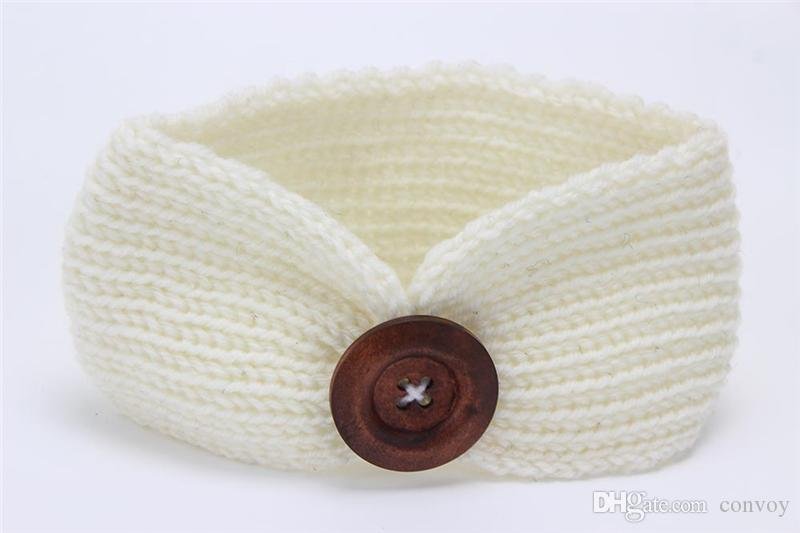 Nueva Baby Girls Fashion Wool Crochet Headband Knit Hairband con decoración de botones Invierno Recién nacido Bebé Ear Warmer Head Headwrap es KHA01