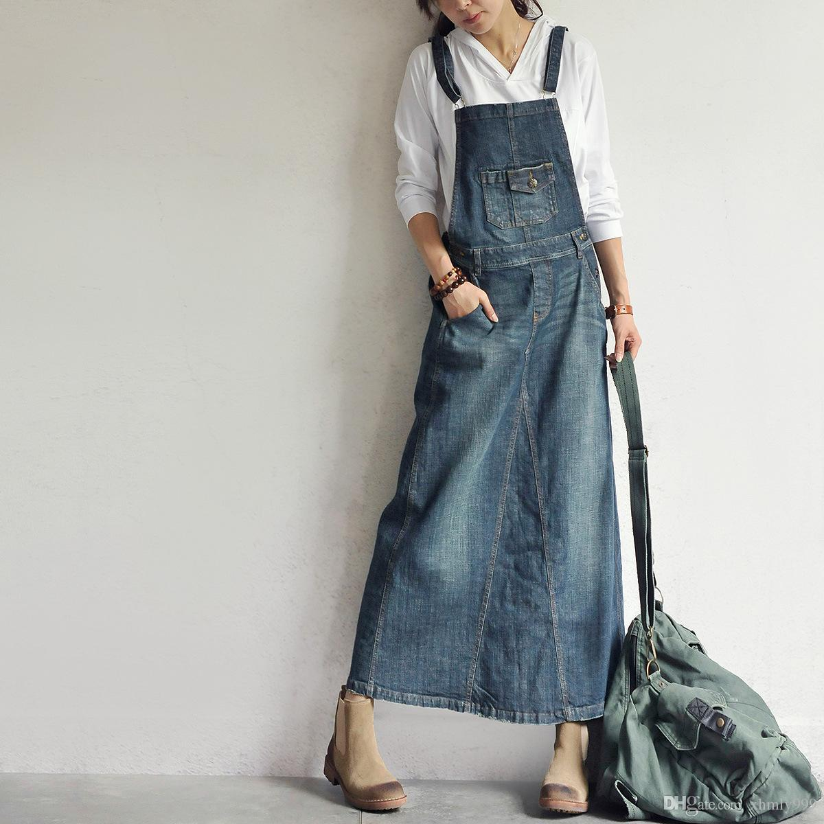 Denim Skirts Channel your inner cowgirl with boohoo's range of denim skirts. Wear with a white shirt and accessorise with a black belt for a cool casual outfit, or .