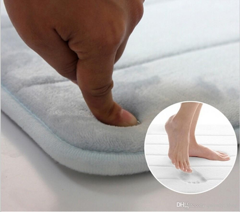 Einfache Design Memory Foam Badematte Weiche, warme und starke Antirutschmatte im Badezimmer Schlafzimmer Streifen Matte Tapis De Bain 40 * 60cm