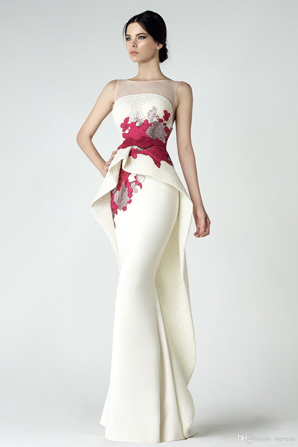 Schicke Spitze Nixe-Abschlussball-Kleid mit Schößchen Sheer Bateau Ansatz Backless Abend-Kleider Appliqued Vestidos De Fiesta bodenlangen formales Kleid
