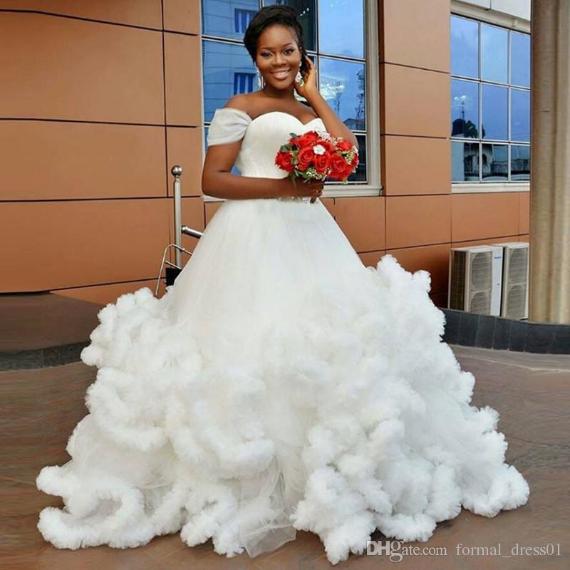 Sweetheart Off Shoulder Ball Gown Ivory Wedding Dress Vestido De Noiva 2017 New Design Ruffle Tulle Stunning Bridal Sweep Train Islamic