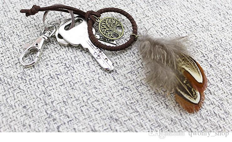Mini Dreamcatcher incantato della foresta Dreamcatcher Handmade Dream Catcher Net con decorazione della piuma Auto portachiavi Diametro dell'ornamento Spedizione gratuita