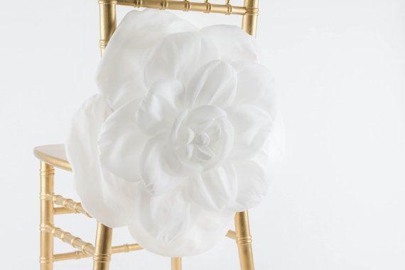 2016 3D Big Flower Wedding Chair Sashes Romantic Organza Chair Covers Floral Wedding Supplies Luxurious Wedding Accessories 02
