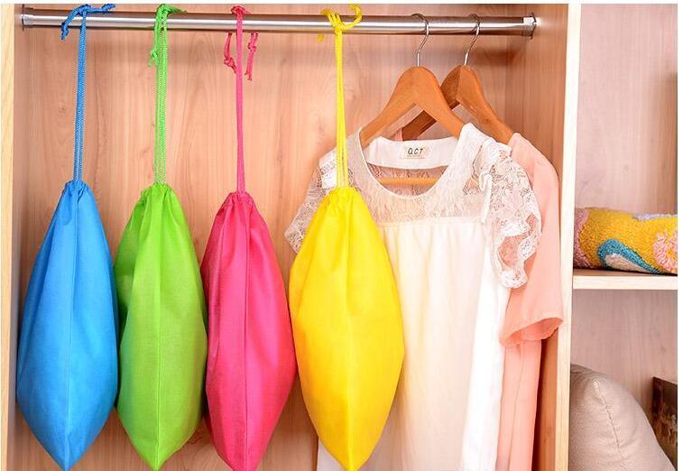 Frete grátis por atacado-40 centímetros Hx30cm saco não tecido com corda saco de armazenamento várias cores para sapato / roupas à prova de poeira