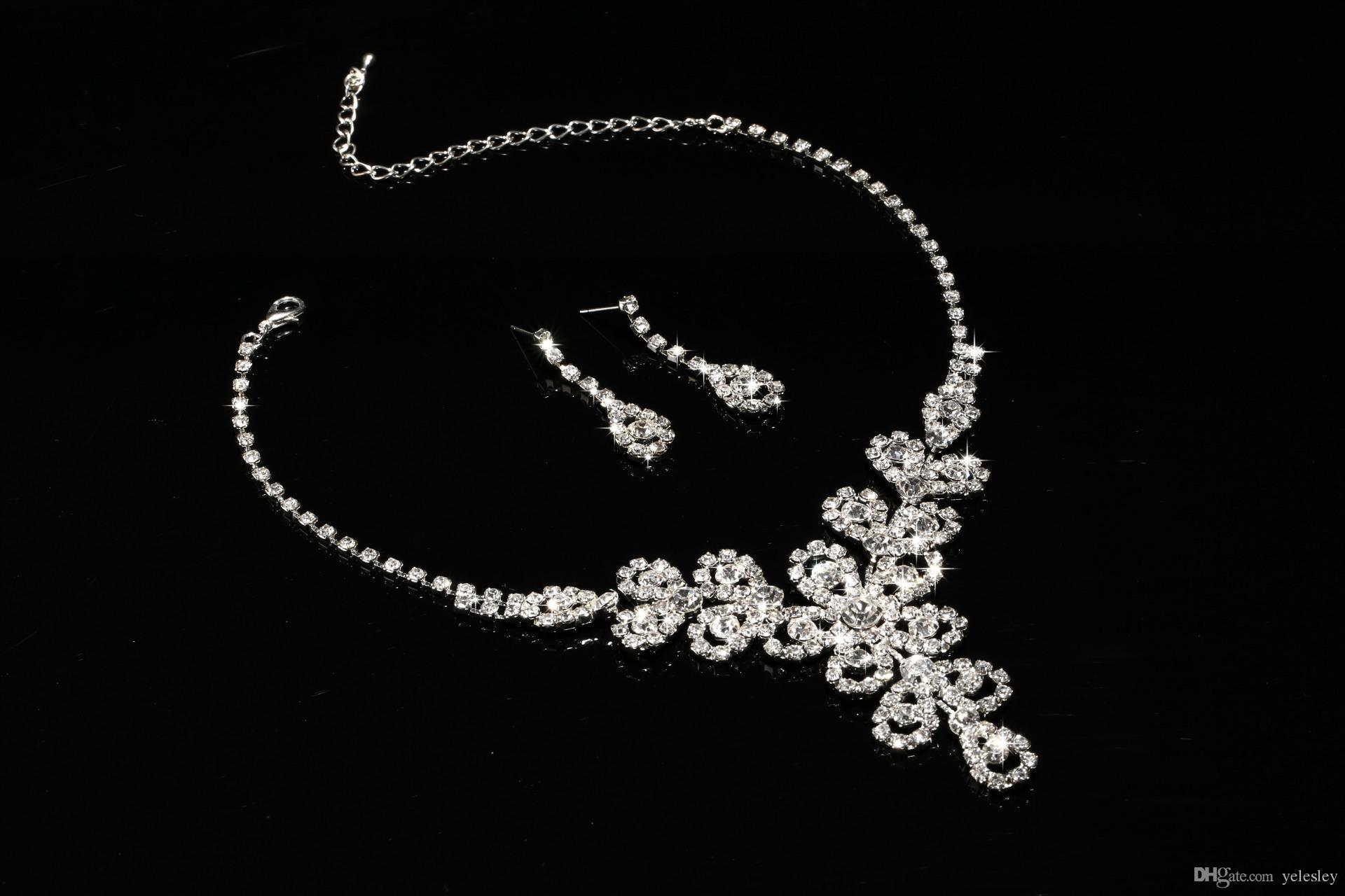 Cheap Bridal Jewelry Sets Silver Crystal Pendants Necklaces and Drop Chandelier Stud Rhinstone Earrings Fashion For Party Prom Sale