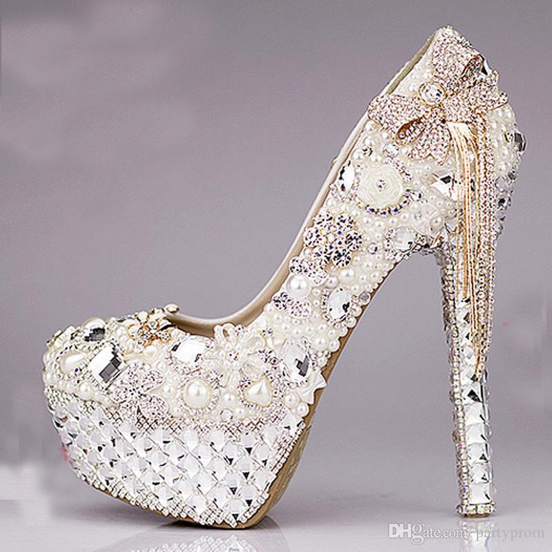 d588aff6b Mississipi Calçados Luxuoso Bowtie Strass Sapatos De Salto Alto Ultra  Cristais De Pérolas Sapatos De Casamento Sapatos Bonitos Para A Noiva Lindo  Bombas De ...