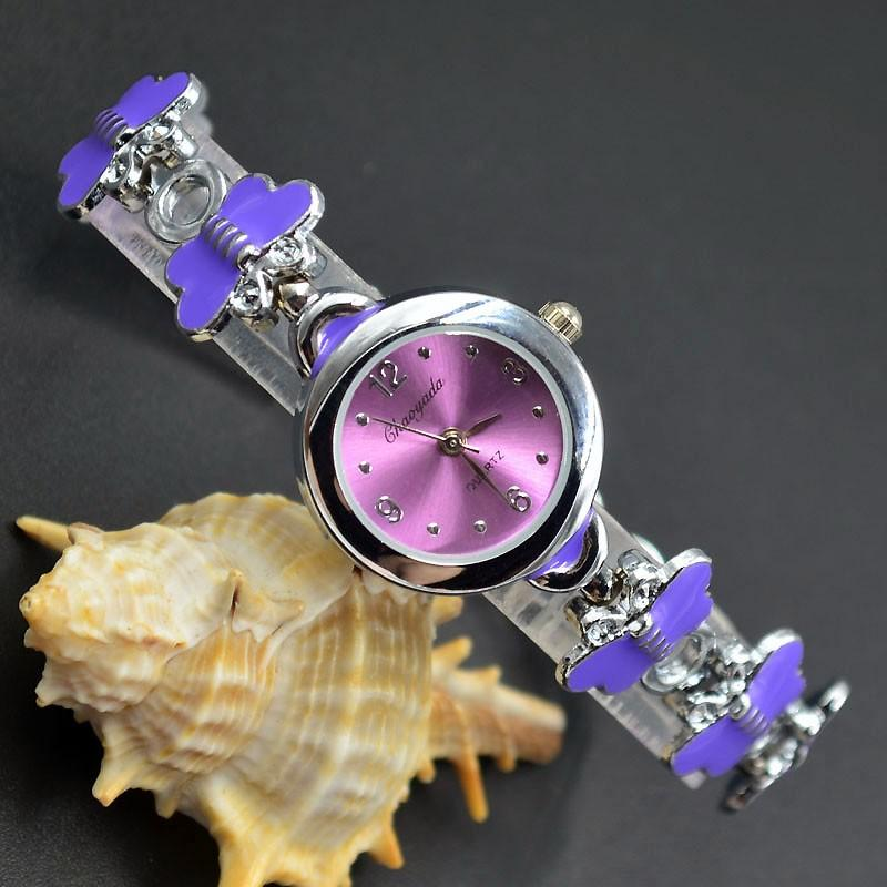 Arbeiten Sie Chaoyada elegante Frauenmädchenschmetterling vorzügliche Metallstahlbügelquarz Armbandarmbanduhr 930 um