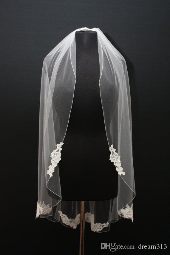 Hot Fashion Designer Best Sale Elegant Romantic Elbow White Ivory Lace Applique veil Mantilla Veil Bridal Head Pieces
