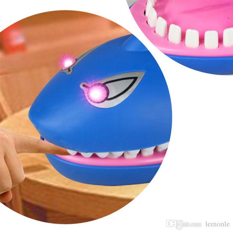 Yaratıcı Yenilik Prank Diş Hekimi Bite Parmak Interaktif Tahta Oyunu Köpekbalığı Timsah Köpek Joke Oyuncaklar Parti Oyunu Yetişkinler ve Çocuklar için 10 adet