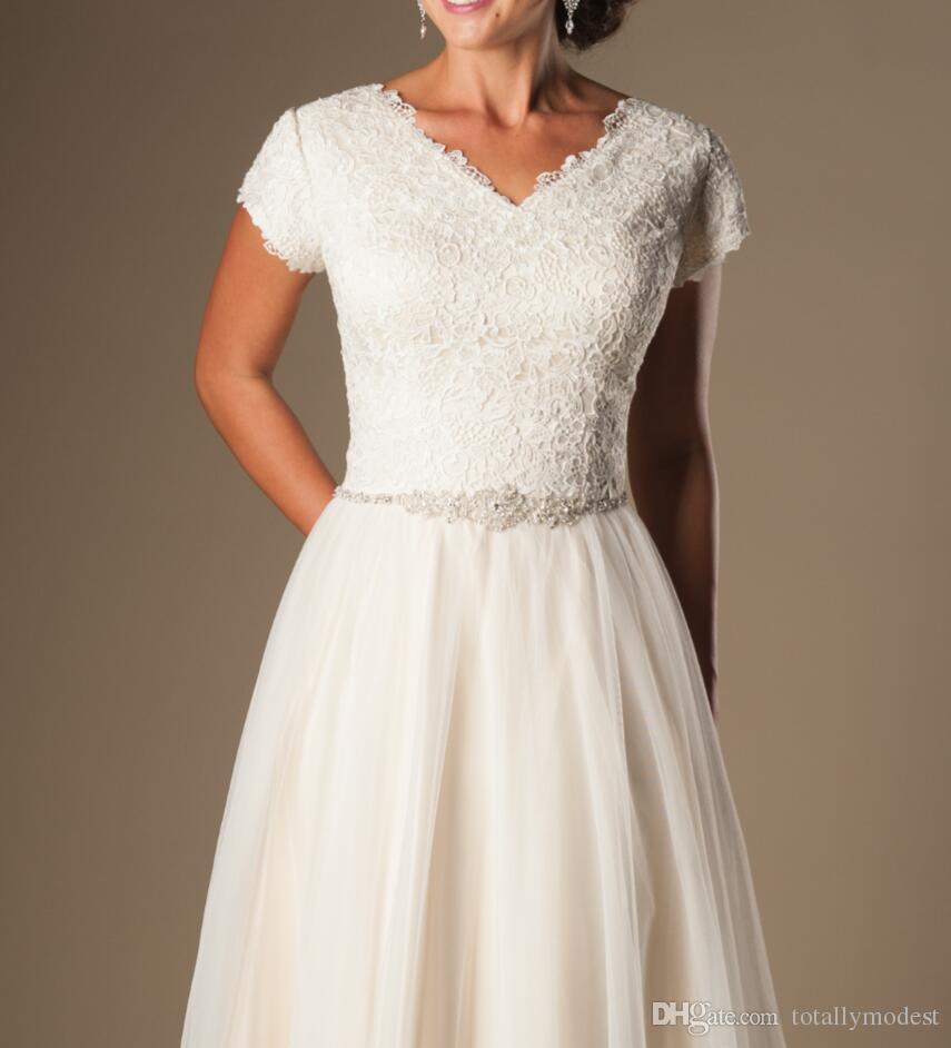 샴페인 반팔 겸손 웨딩 드레스 2019 캡 슬리브 v 목 버튼 레이스 얇은 얇은 웨딩 가운 A-line 저렴한 웨딩 가운 판매