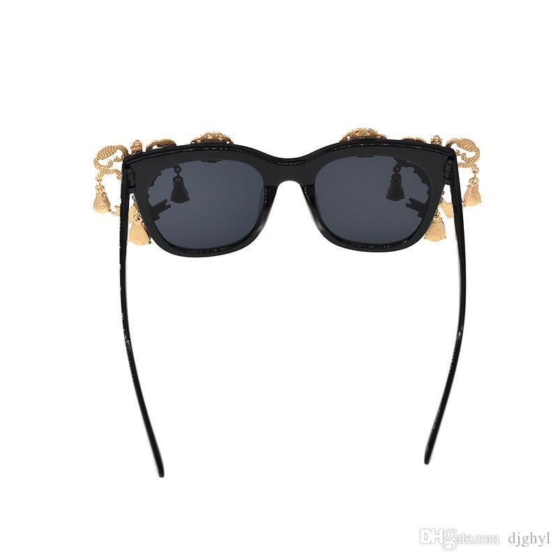Baroque Crystal Key Sunglasses Women Brand Designer Hand Made Fashion Sandy Beach Sunglasses Ladies Round Sun Glasses