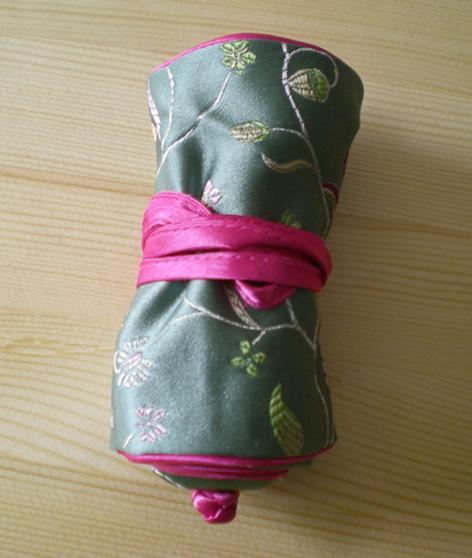 De alta calidad de joyería fina estilo rueda para arriba el almacenaje del recorrido del bolso hecho a mano de seda chino brocado floral 2 del anillo de la cuerda 3 de la cremallera bolsas bolsa de regalo