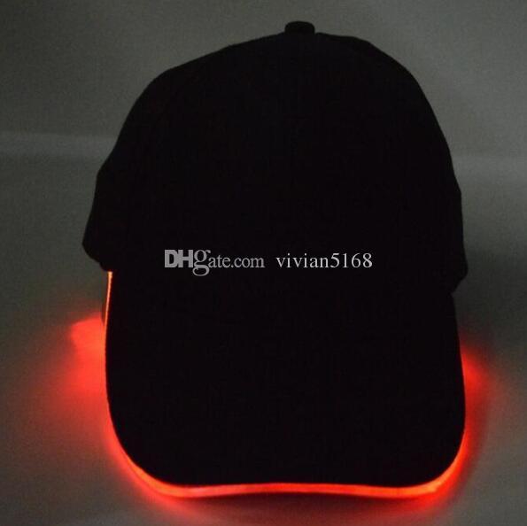 La nouveauté de la Lumière LED de Chapeau Chapeaux de Fête, les Garçons et les Grils Cap casquette de Baseball à la Mode Lumineux de Différentes Couleurs Réglage de la Taille de la LED de baseball chapeau