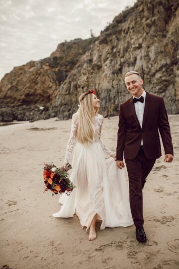 Bohemian Country Beach Wedding Dresses With Sheer Long Sleeves 2017 Lace Appliqued Chiffon Long Boho Bridal Gowns Custom Made China EN9291