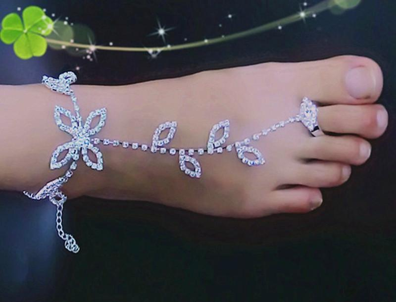 2016 Bride Diamond Jewelry Diamond Leaves Were Beach Even Anklets Foot Ornaments Shiny Rhinestone Crystal Barefoot Sandals Bridal Anklet