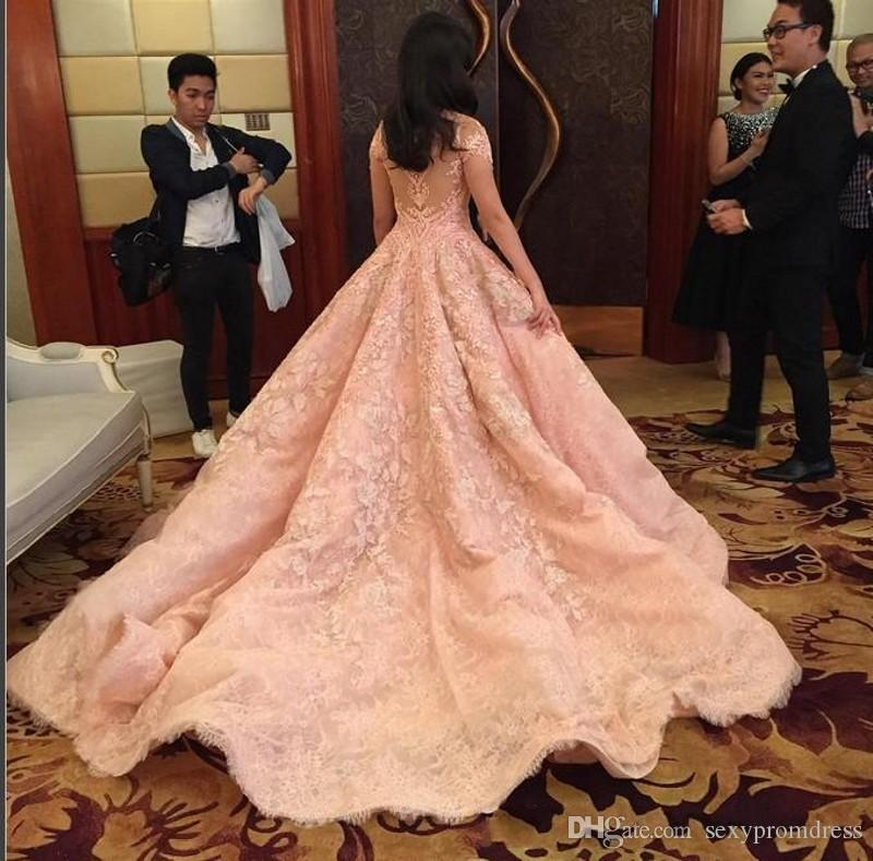 2017 Pink Off Shoulder Prom Dresses Red Carpet Floor Length Ruffles Evening Gowns Long Women Retro Lace Sweep Train Celebrity Party Dresses