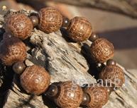 Red sandalwood beads hand-carved buddhist rosary six-word mantra exorcism bracelet.