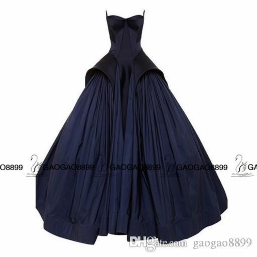 2019 Robyn Rihanna Style Celebrity Dresses Dark Navy Blue Dubai Arabic Sweetheart Backless Ball Ballet Vestido de fiesta de noche Zac Posen