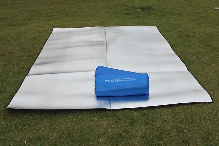 Marvelous Outdoor Camping Floor Mat Moisture Proof Beach Tent Blanket Reusable  Portable Rug Picnic Game Party Sleeping Floor Mat Plaid Double Aluminum  Outdoor ...