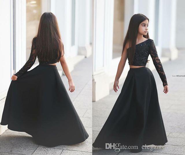 2016 A linha preta de duas peças de cetim Little Girl's Pageant Vestidos de um ombro Lace frisado Flower Girl Party Dresses