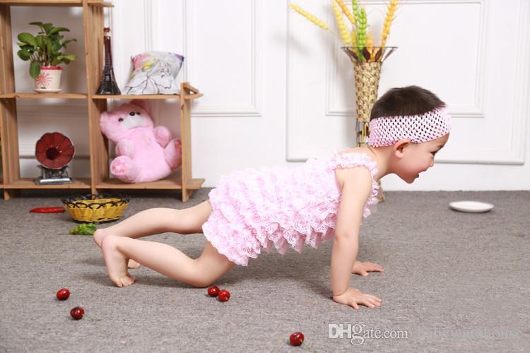 Nette Baby Spitze Strampler Top Qualität Baby Mädchen Spitze Overall Geburtstag Outfit Neugeborenes Baby Kleidung Säuglingskleinkind Rüschen Spitze Strampler Boutique