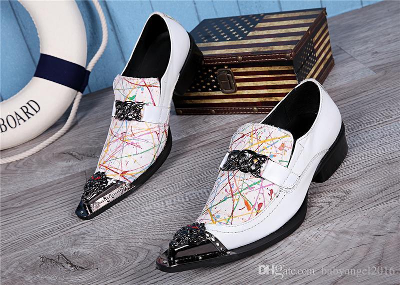Italian Style Nouveau Printemps Automne Hommes Oxfords Chaussures Homme Chaussures habillées formelles mode bout pointu Rivets Wedding Party Chaussures