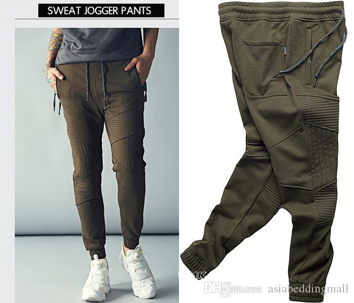 00a0ef9d28 Compre Nuevo TOP Kanye West Estilo Militar Hombres Jogging Pantalones  Bordado Ejército Verde Pantalones Elásticos Casuales Pantalones Overoles  Pie ...