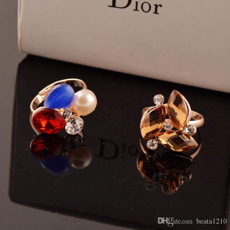 2018 Fashion Ring Women Rhinestones Diamond Jewelry Stores Anelli di cristallo le donne Le ragazze mescolano i colori all'ingrosso Bijoux Femme Gift Ideas