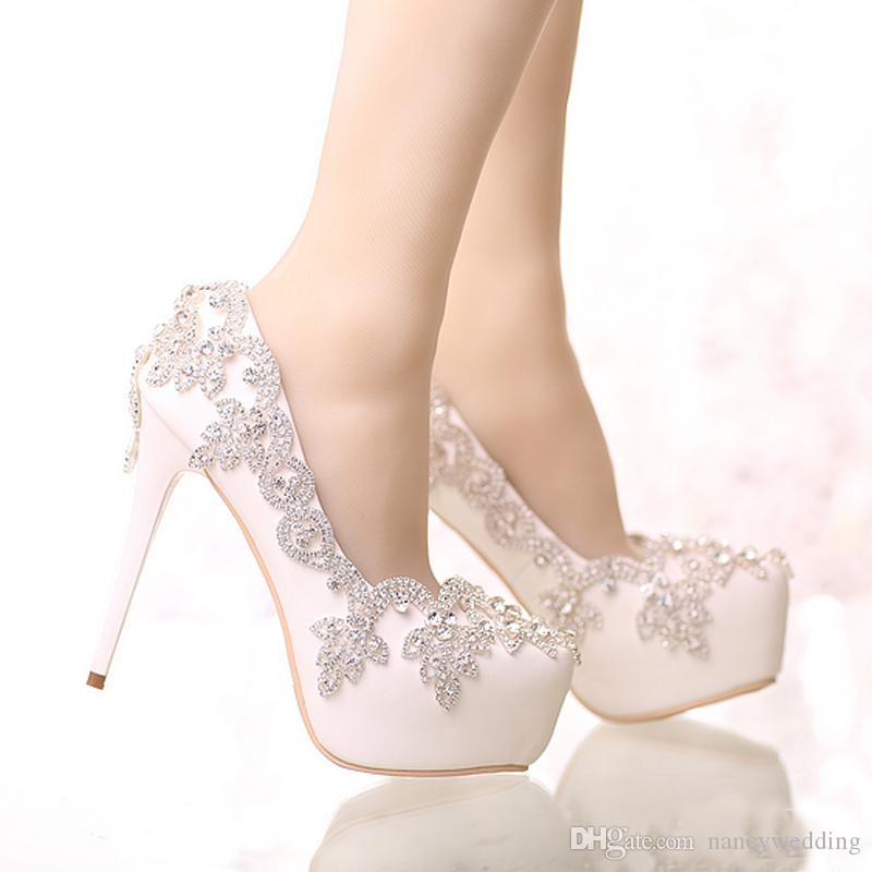 Sapatos Exquisite Rhinestone nupcial Toe pontiagudo e Rodada Toe Platform Cor Branca Sapatas do casamento com prata strass Prom Bombas